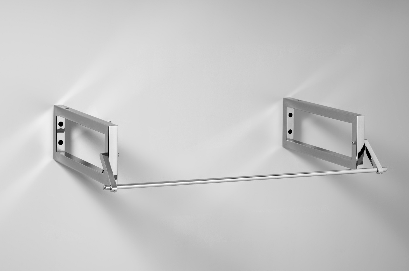 Staffe info salle de bain design ameublement de for Porte serviette fly