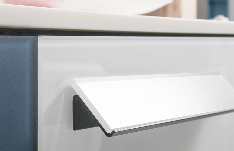 RIGA Info Salle de bain Design Ameublement de salle de bains Miroirs Ameublement de